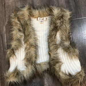 Other - Kids Sweater vest with faux fur trim